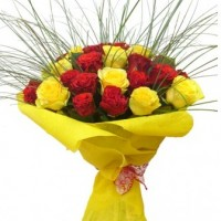 Bouquet of yellow and red roses 50 cm. Bigger or smaller, select.